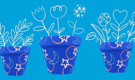 Hoe kun je een terracotta bloempot verven?