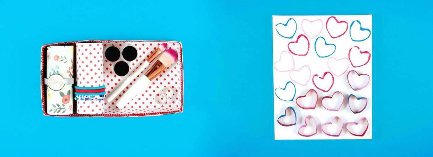 Versierd kartonnen sieradendoosje, wit papier bedrukt met hartjes en kartonnen hartenstempels als moederdagknutsels